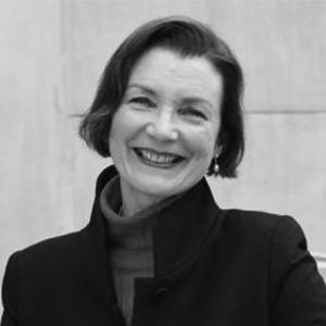 Dr Anneke Veenstra