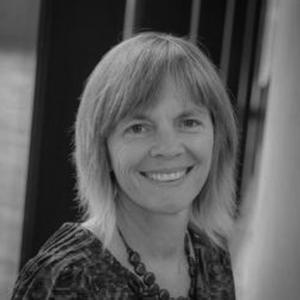 Dr Lisa Barnett