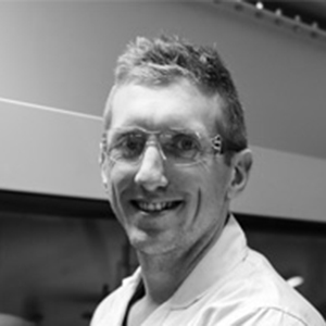 Dr Robert Kerr