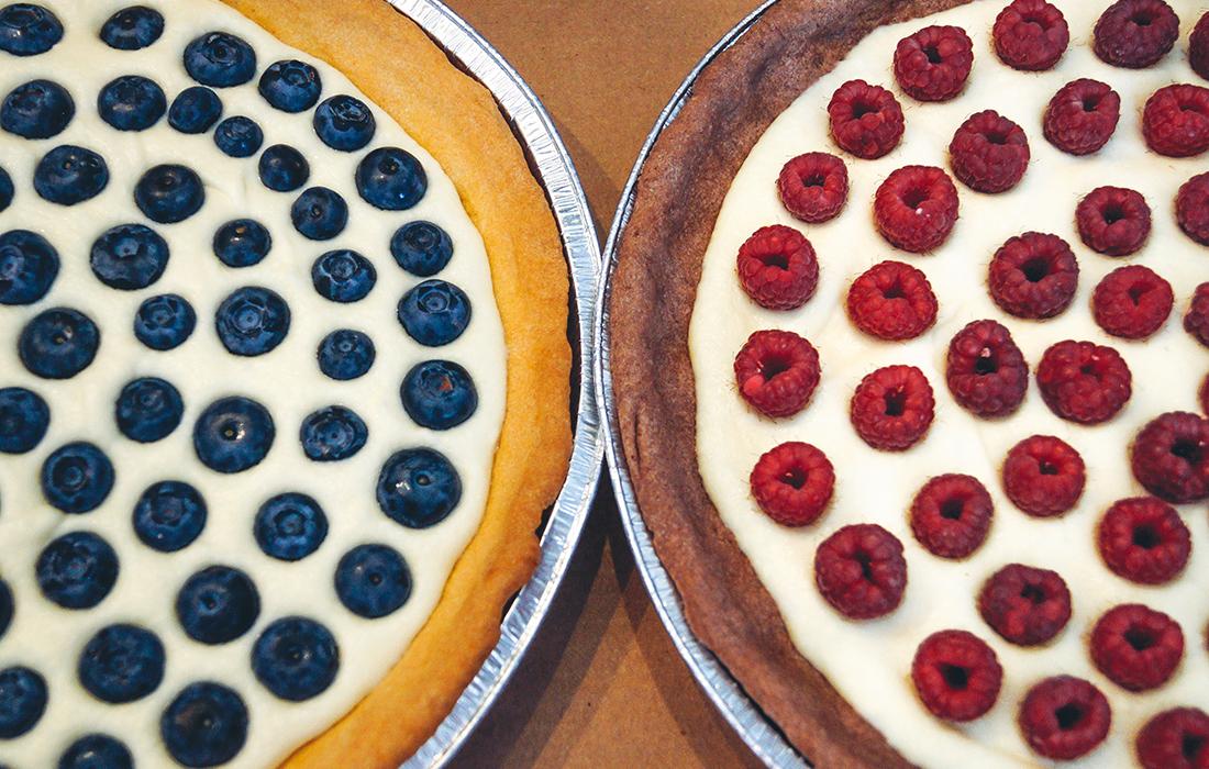blueberry pie and raspberry pie