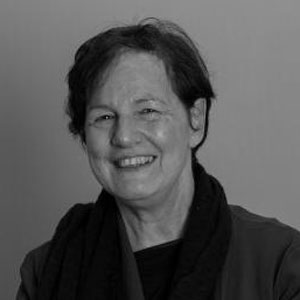 Dr Ruth Arber