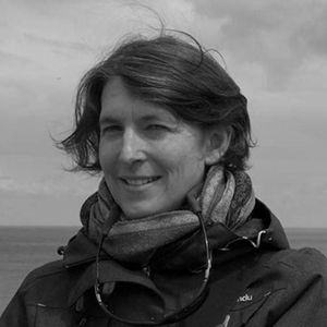 Dr Astrid Roetzel