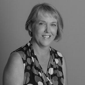 Dr Arlene Walker