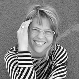 Dr Antonia Pont