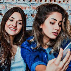 Girls becoming instagram influencers