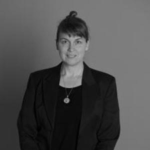 Dr Peta White